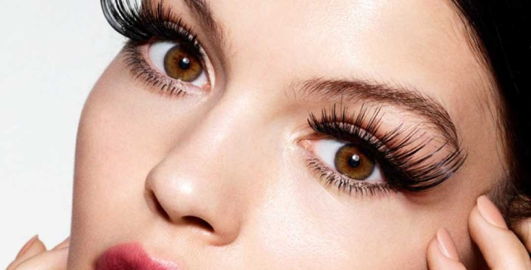 Quick Tips for Using False Eyelashes