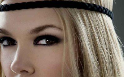 Melengkapi Makeup Dengan Bulu Mata Palsu